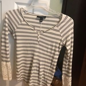 Tops - Long lace stripe shirt